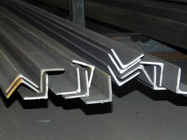 Productos de hierro acero y forja en madrid almac n - Angulos de hierro ...